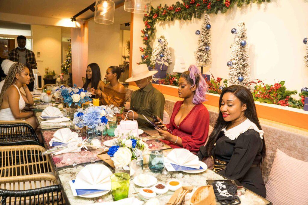 The Executive director for Polo luxury - Jennifer Obayuwana with Fatima Ganduje Ajimobi, Erica Nlewedim and other IT girls at the swarovski nigeria crystal brunch